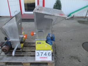 Keverő mixer adagoló csigás